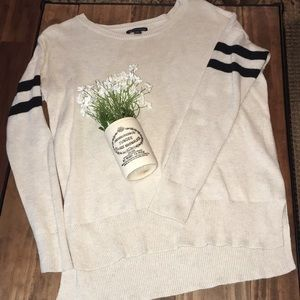 American Eagle sweater / size medium